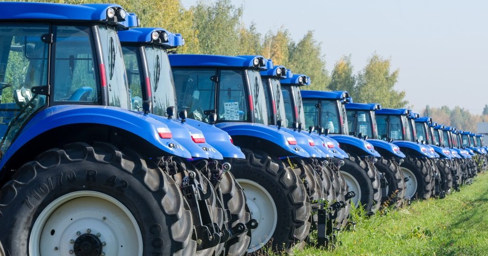 Oil Suitable for New Holland Tractor: 15w/40, 10w/40 Engine